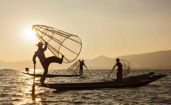 インレー湖の漁師 ミャンマーの風景