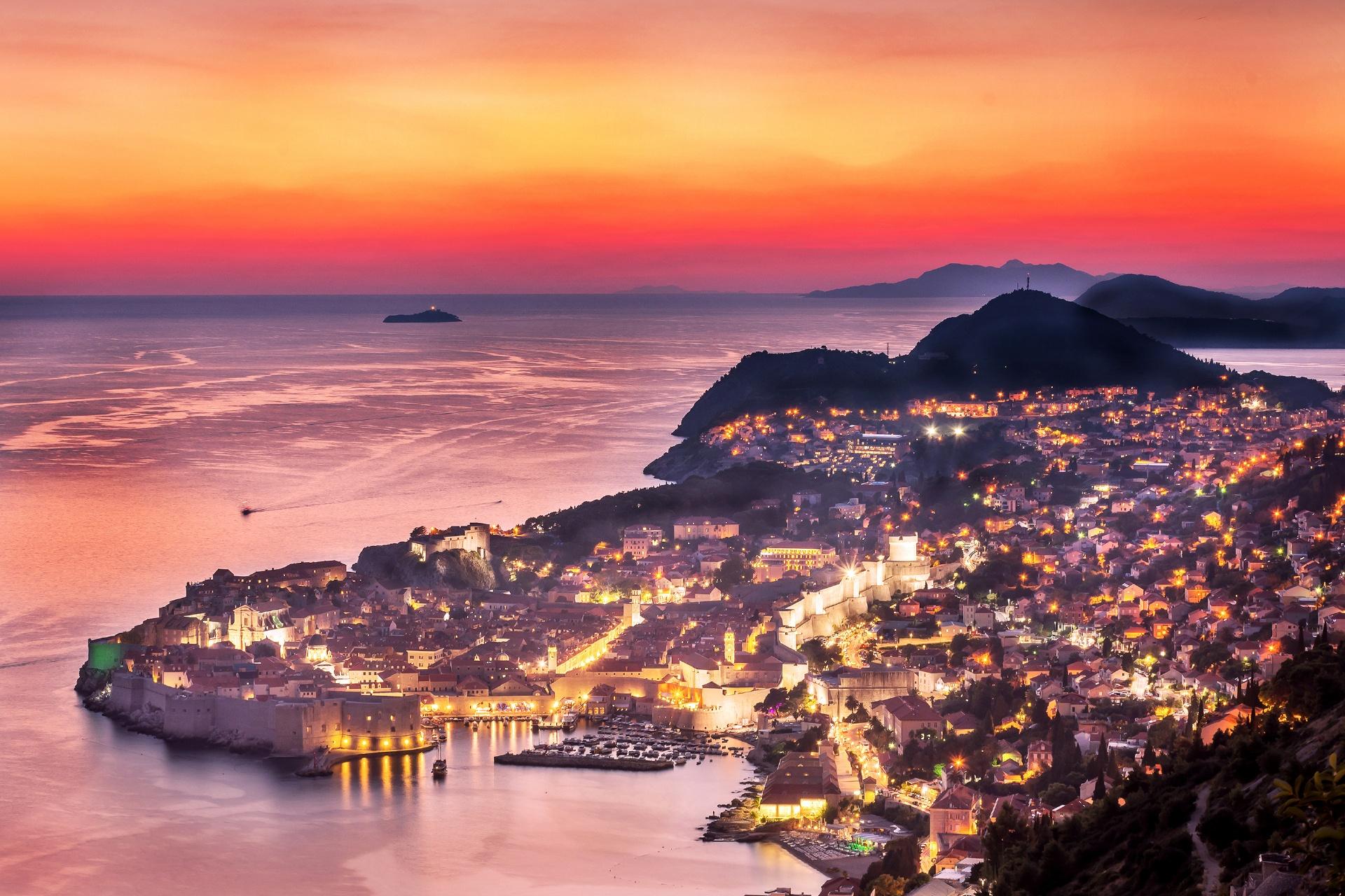 夕暮れのドゥブロヴニク クロアチアの風景