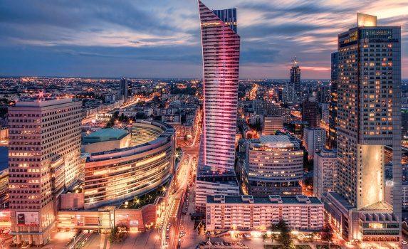 ワルシャワの夜景 ポーランドの風景