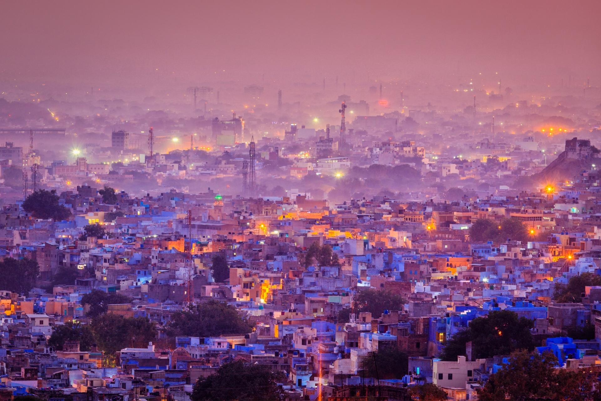 薄明のジョードプル インドの風景