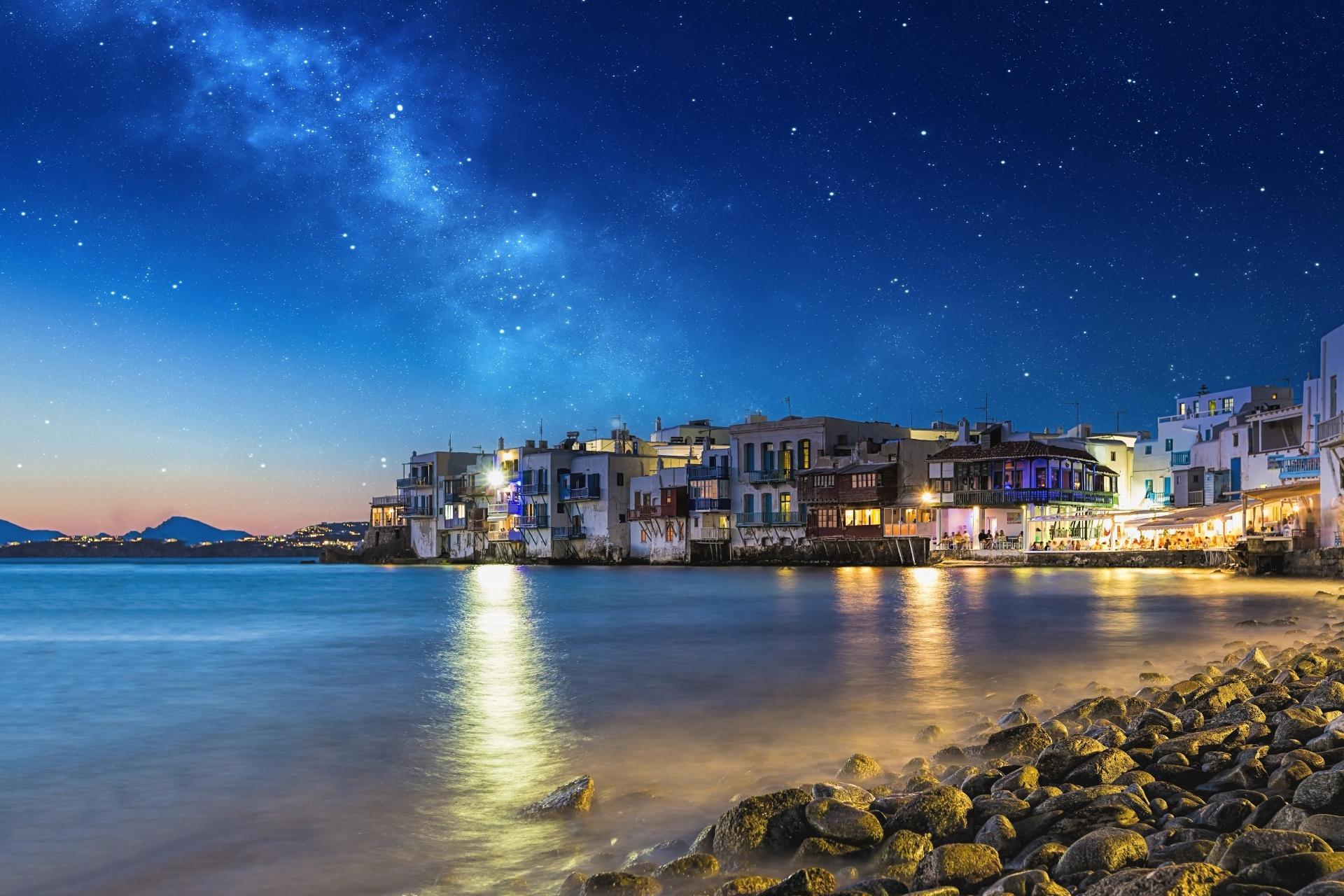 ギリシャ ミコノス島の夜景