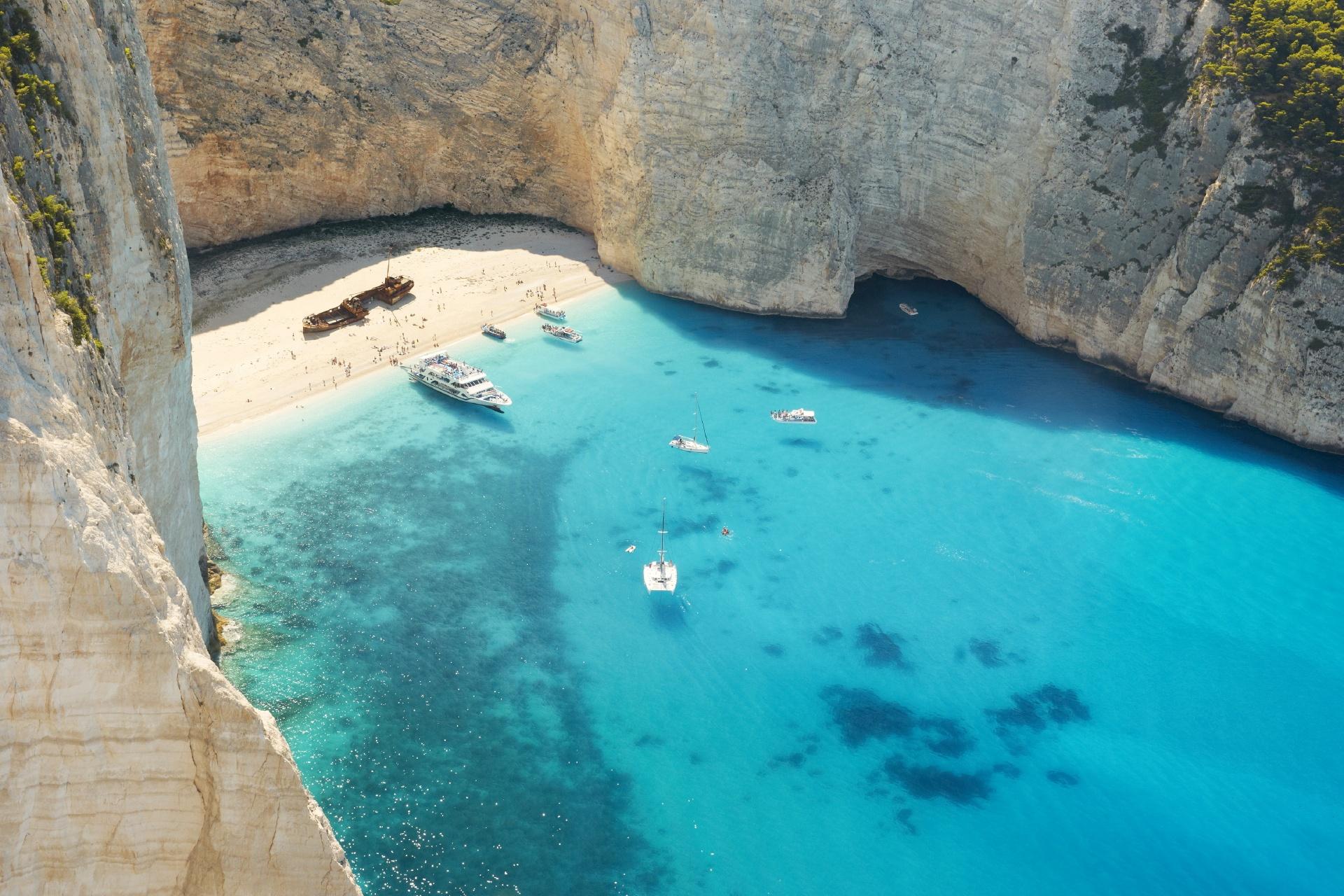 ポルコの隠れ家 絶景の島 ザキントス島 ナヴァイオ・ビーチ ギリシャの風景