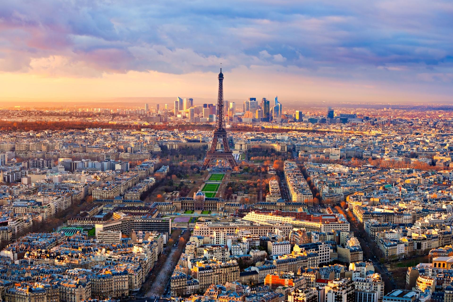 パリの夕暮れ フランスの風景