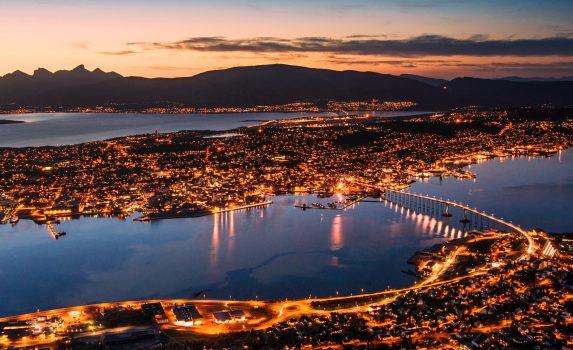 トロムソの夜景 ノルウェー