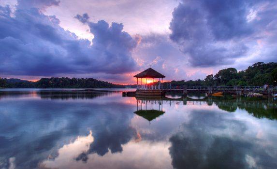 日没のローワー・パース貯水池 シンガポールの風景