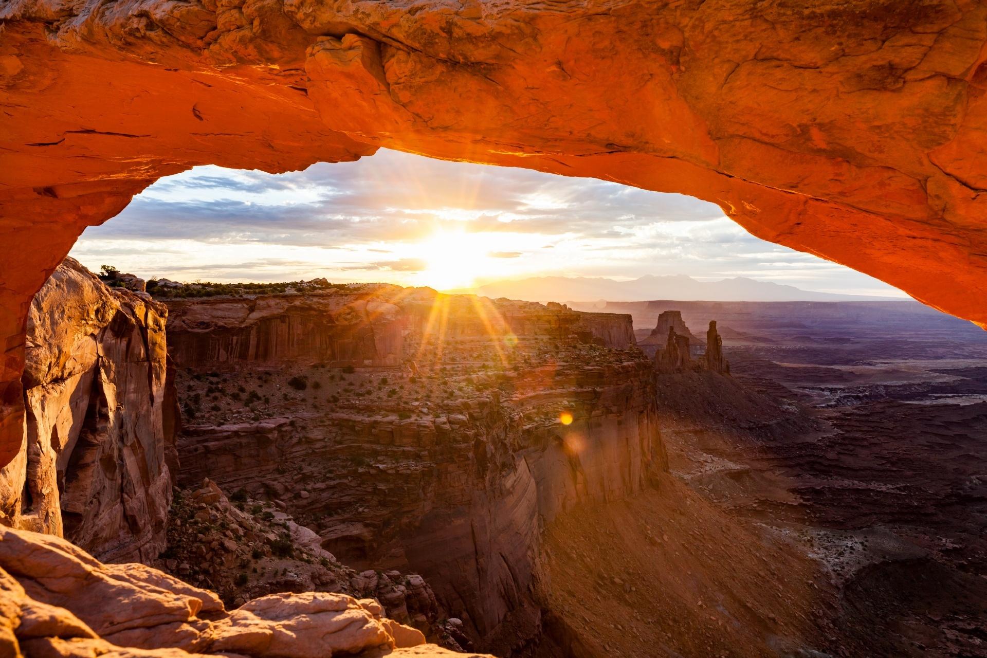 峡谷の朝 ユタ州 キャニオンランズ国立公園 アメリカの絶景
