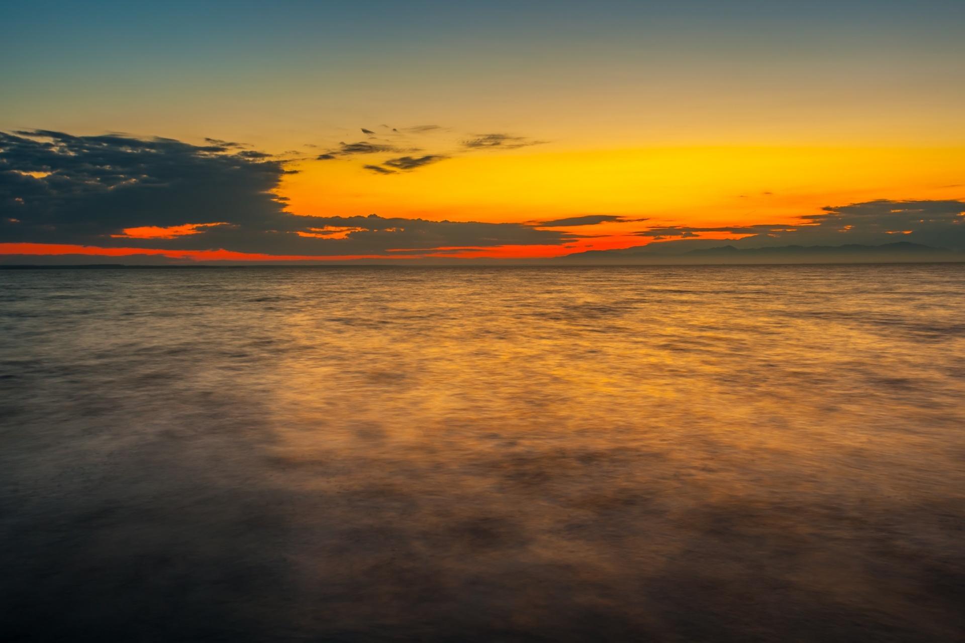 パリアストミ湖の朝 ジョージアの風景