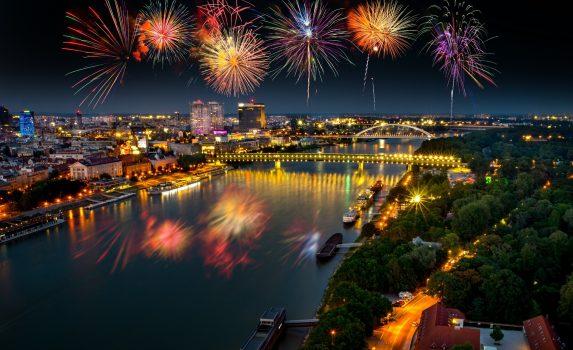 ブラチスラバの花火 スロバキアの風景