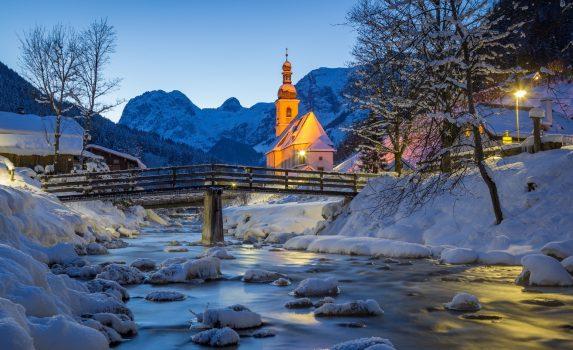 ドイツ・バイエルン州 冬の夜の風景 ドイツの風景