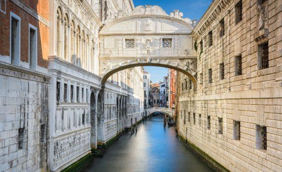 ヴェネツィア 「溜息の橋」 イタリアの風景