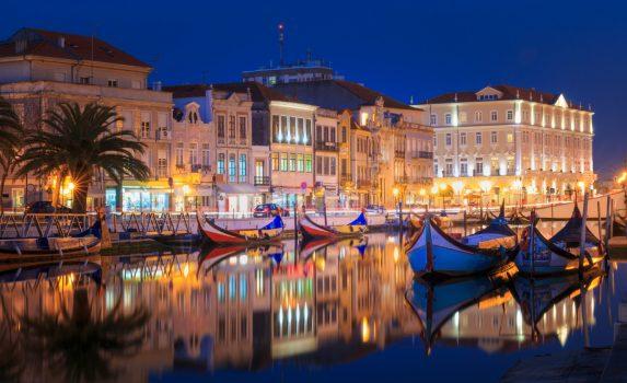 ポルトガル 夜のアヴェイロの風景 ポルトガルの風景