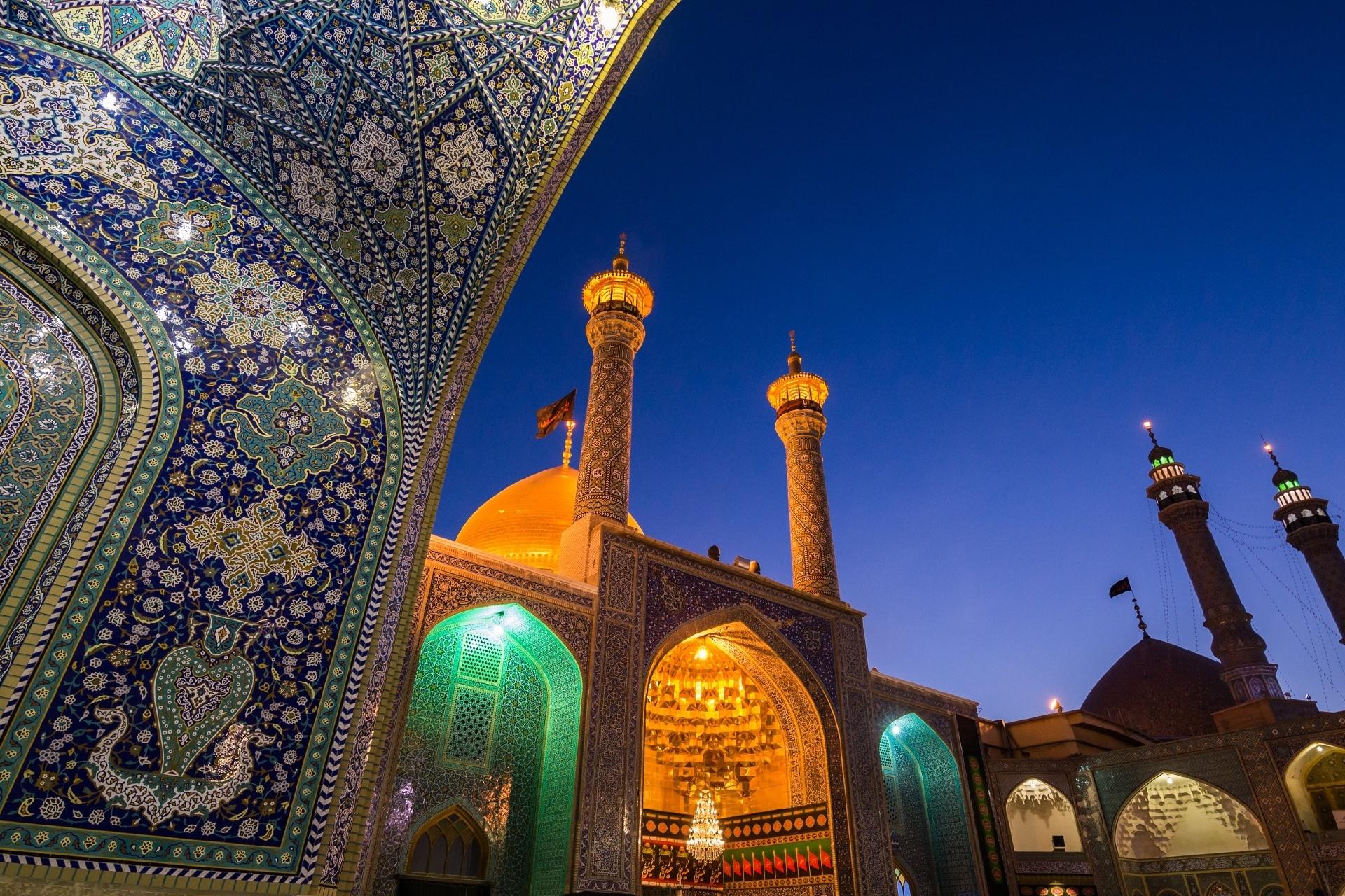 イラン ゴム ファーティマ廟 イランの風景