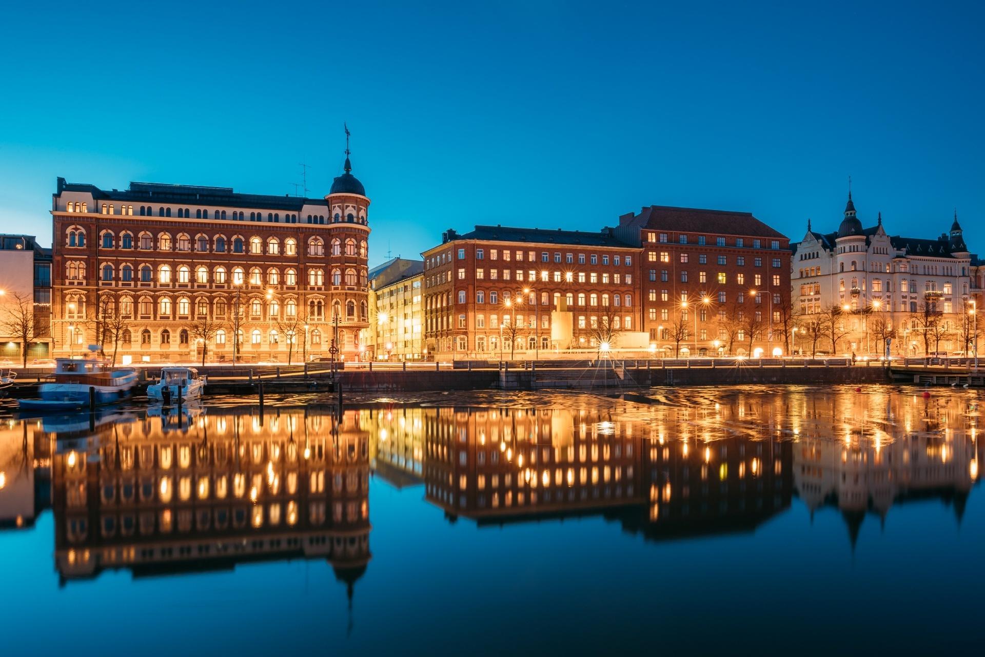 ヘルシンキの夜の風景 フィンランドの風景