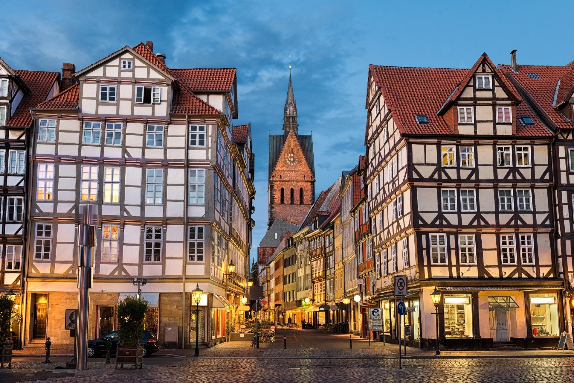ドイツ ハノーファー マルクト教会と旧市街の町並み