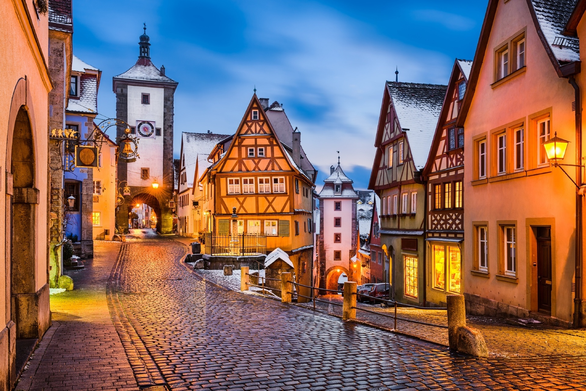 中世の町ローテンブルク プレーンラインの夜の風景 ドイツの風景