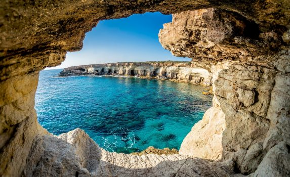 アヤナパの洞窟から見る風景 キプロスの風景