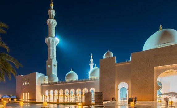 夜のシェイク・ザーイド・モスク アラブ首長国連邦の風景