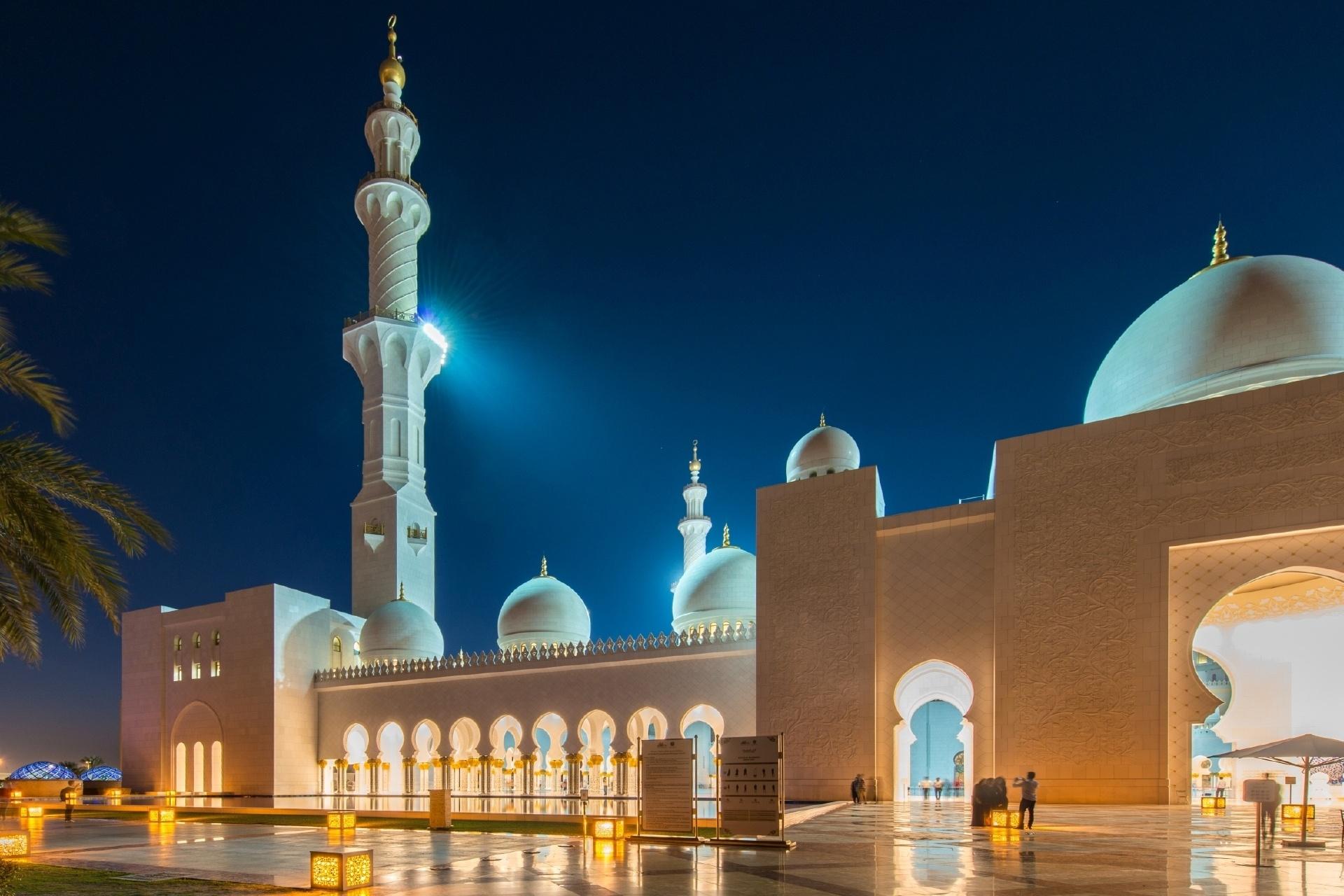 アブダビのシェイク・ザーイド・モスク アラブ首長国連邦の風景