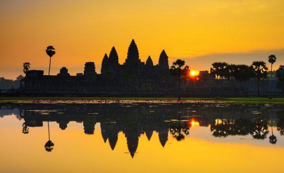 アンコールワットの日の出の風景 カンボジアの風景