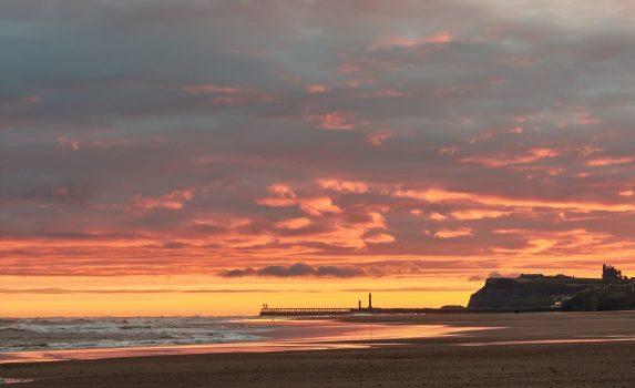ヨークシャーの浜辺の朝の風景 イギリスの風景