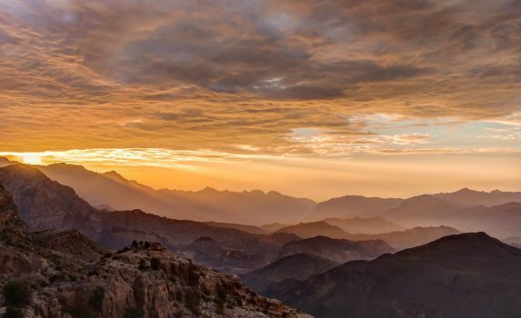 ハジャル山地の夕焼け オマーンの風景