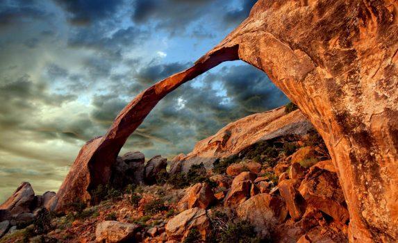 アーチーズ国立公園の風景 アメリカの風景