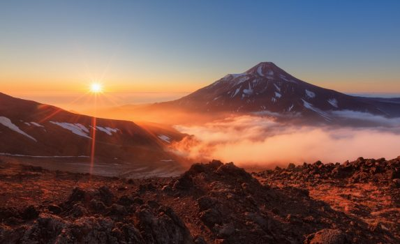 朝のカムチャツカ半島の風景 ロシアの風景