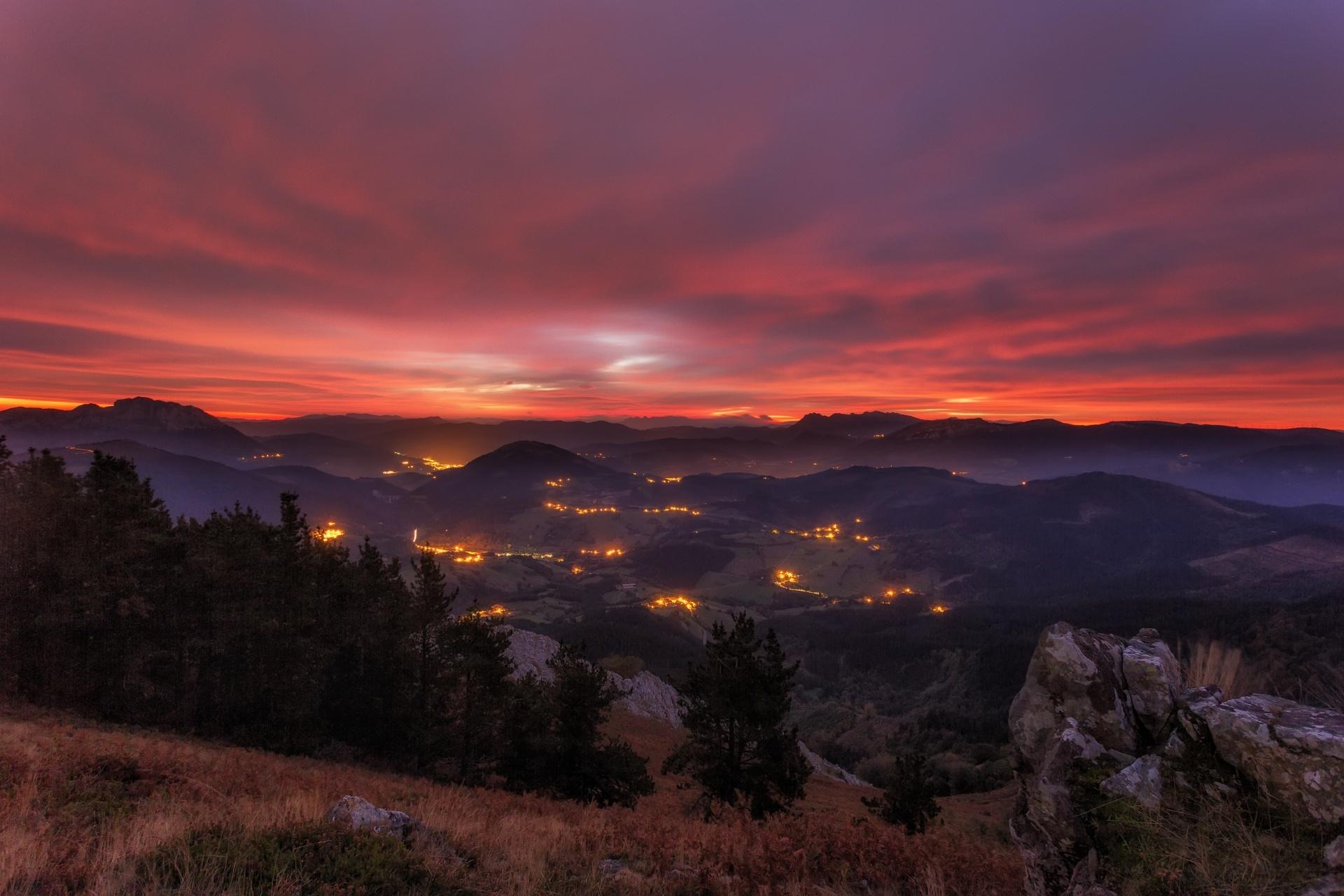 バスク 秋の日の出の風景 スペインの風景
