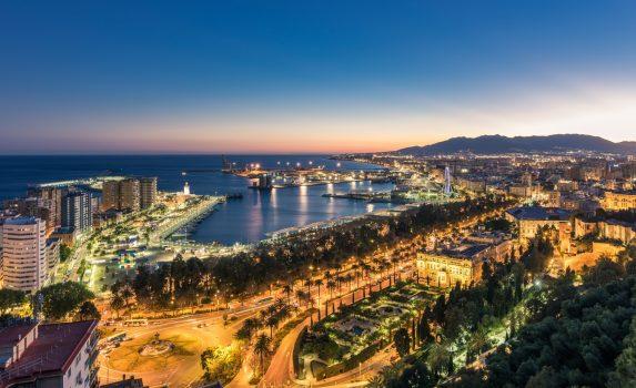 夕暮れのマラガの風景 スペインの風景