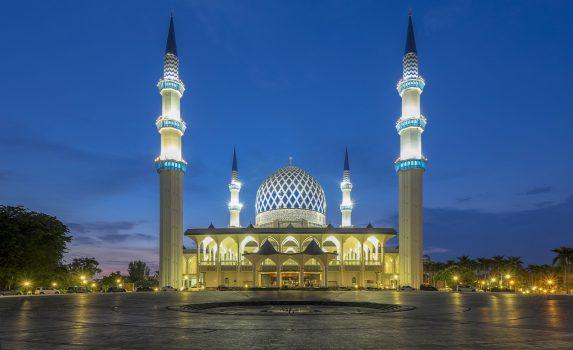 薄明のスルタン・サラディン・アブドゥル・アジズ・モスクの風景 マレーシアの風景