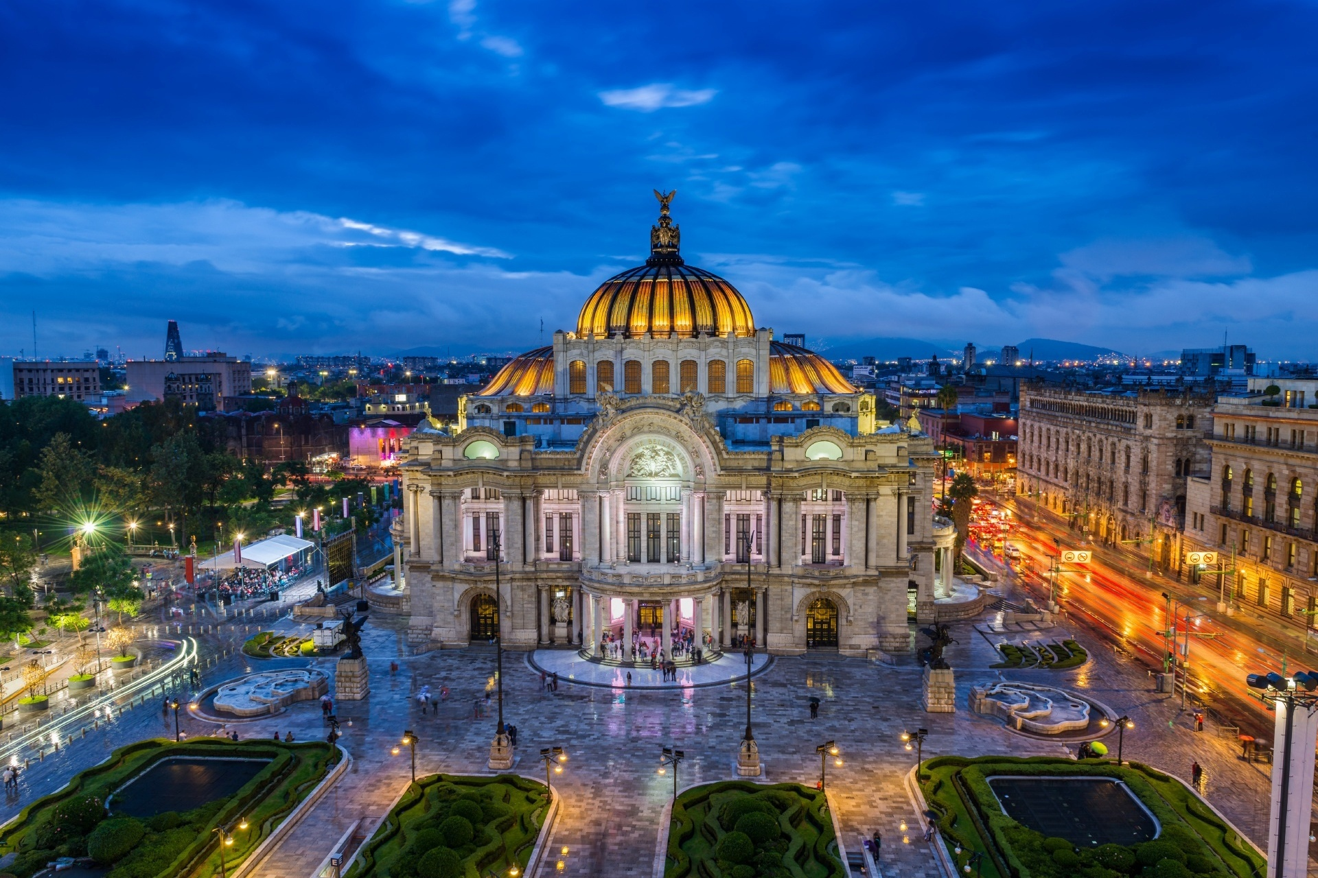 夕暮れのベジャス・アルテス宮殿 メキシコ・シティ メキシコの風景
