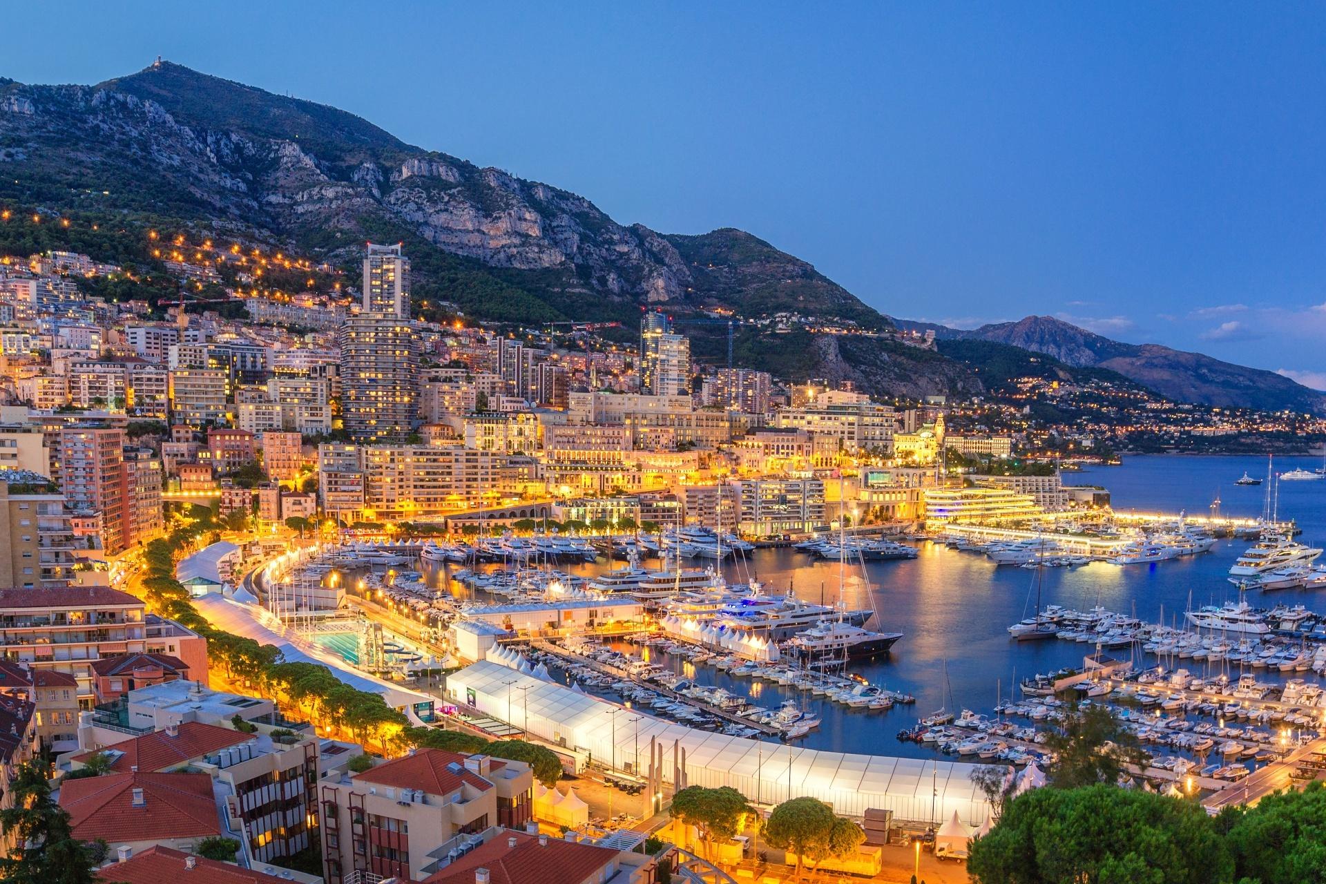 モナコ港の夜景 モナコの風景