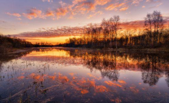 朝焼けの空 エストニアの風景