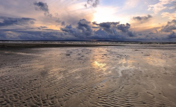エニスクロンビーチの夕暮れ アイルランドの風景