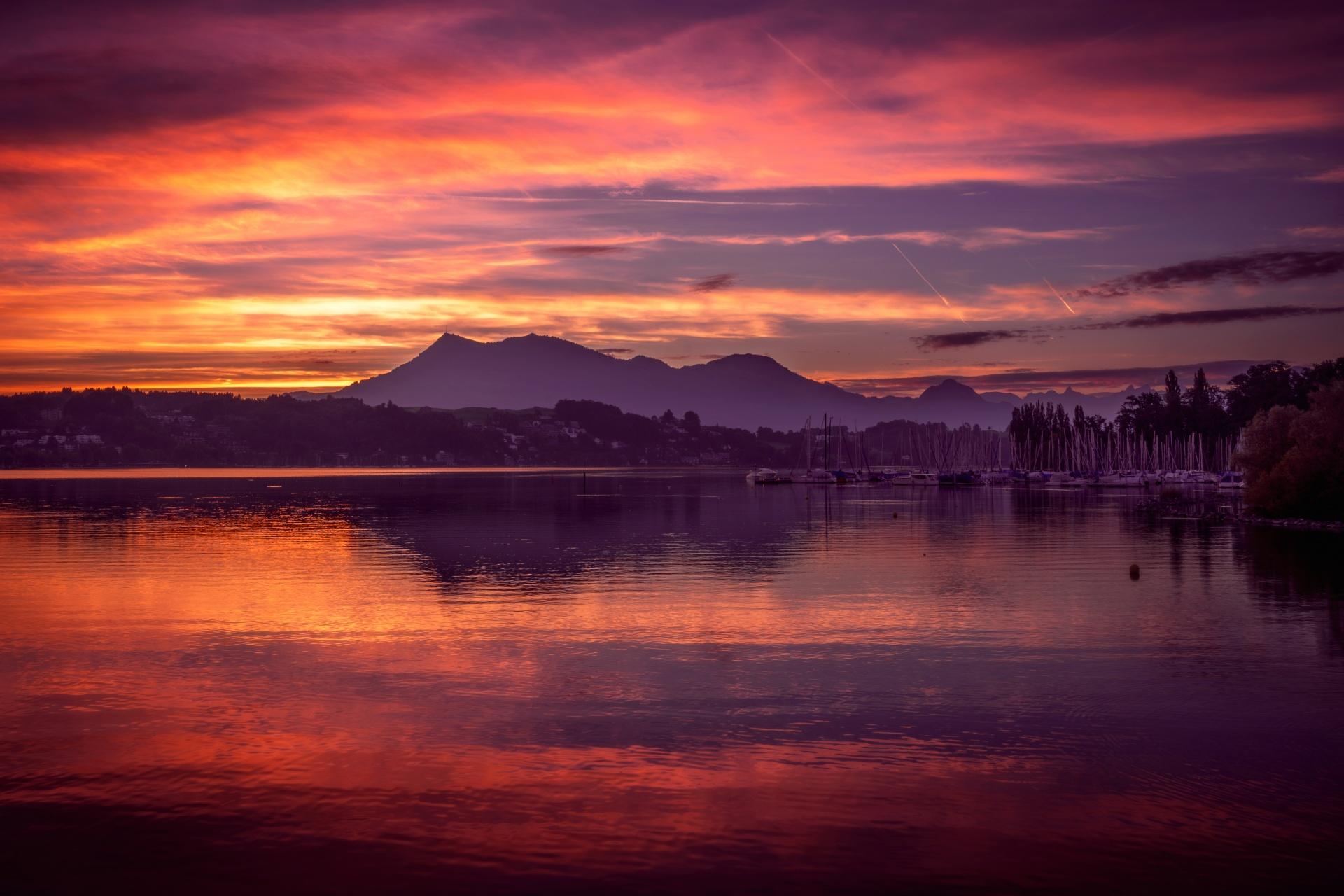 一日の始まり スイスの風景