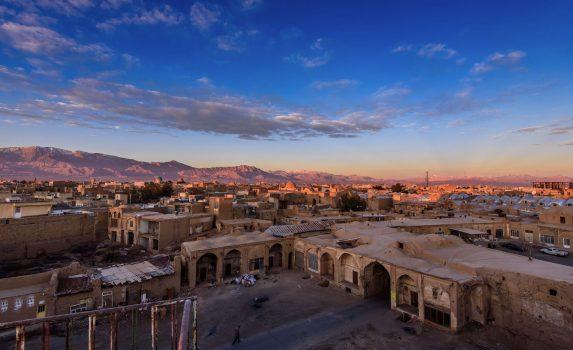 日の出のカシャンの町並み イランの風景