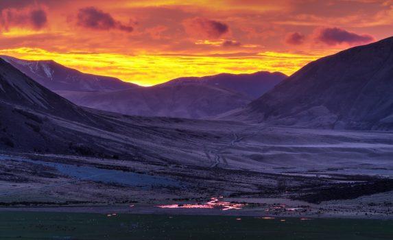 フロックヒルの朝焼け ニュージーランドの風景
