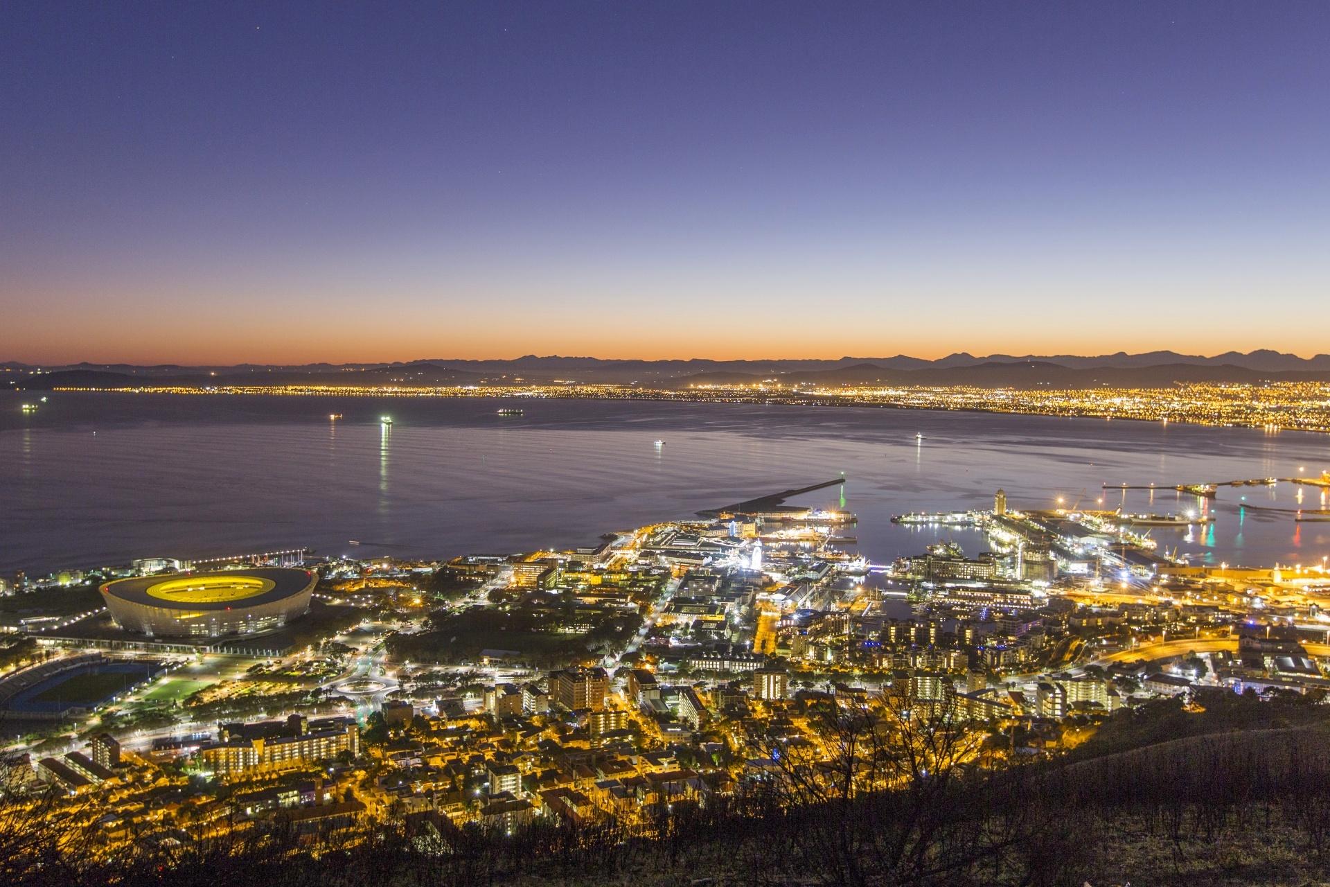 夜明けのケープタウン 南アフリカの風景