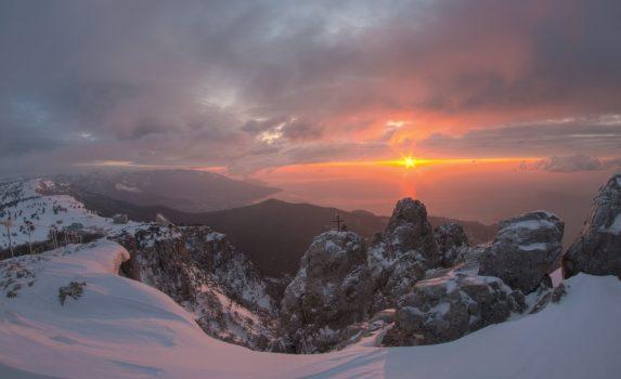 クリミア半島 アイ・ペトリから見る朝日
