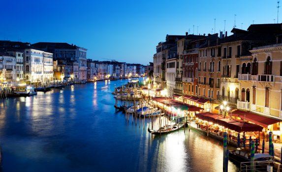 ヴェネツィア カナル・グランデ ヴェネツィアの夜の風景 イタリアの風景