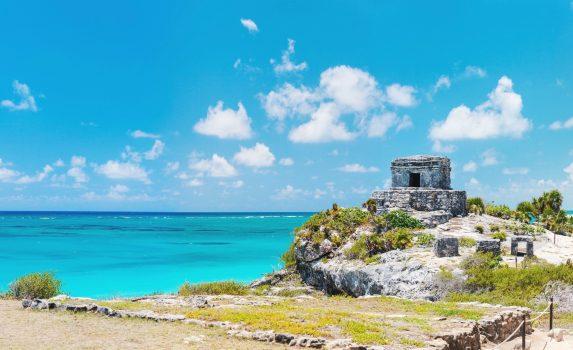 トゥルムのマヤ遺跡とカリブ海の風景 メキシコの風景