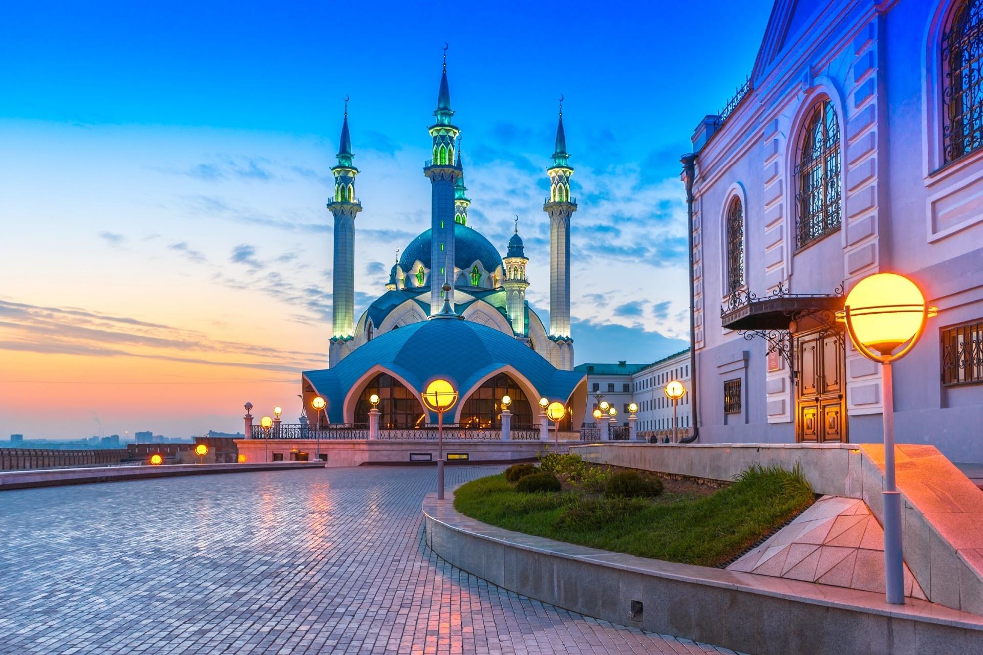 ロシア カザン メチェチ・クル・シャリフの夕暮れの風景 ロシアの風景