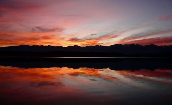 ニュージーランド プカキ湖の夕暮れ