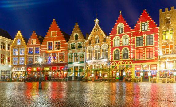 クリスマス・シーズンのブリュージュ旧市街 ベルギーの風景