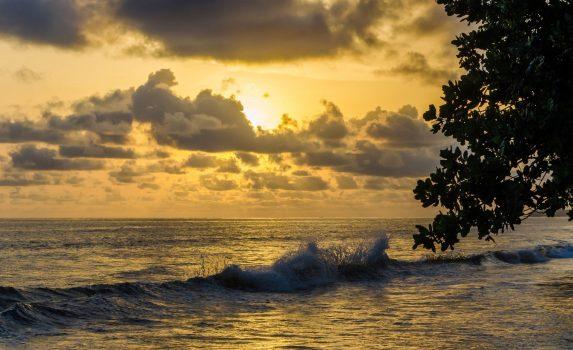 大西洋に沈む夕日 カメルーンの風景