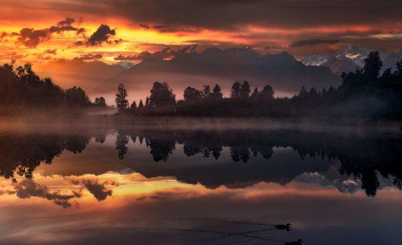 ニュージーランド南島 マセソン湖の朝の風景 ニュージーランドの風景