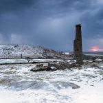 イングランド コーンウォール ボドミン・ムーアの冬の嵐の朝の風景