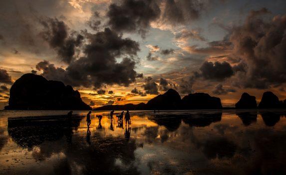 パクメンビーチの日の出 タイの風景
