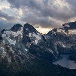 スコーミッシュ近くから見るオメガ山と氷河湖 カナダの風景