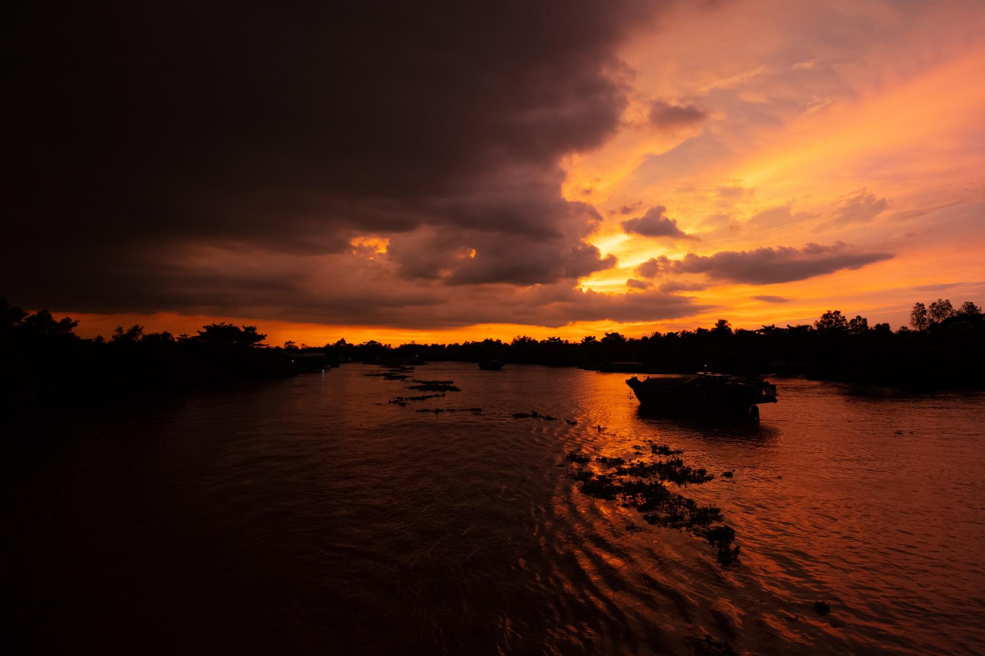 メコン川の美しい日没の風景 ベトナムの風景